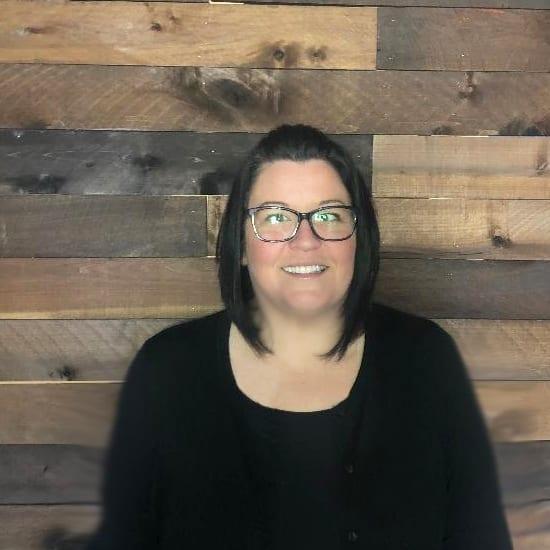 Kelly Ostrander headshot